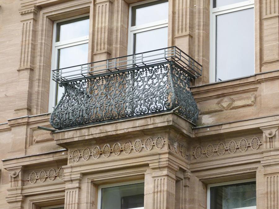 04 restaurierter balkon aus gußeisen • fürth